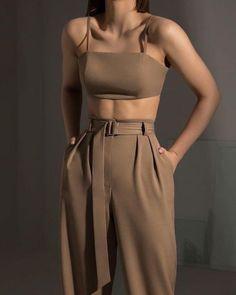 Look Fashion, Korean Fashion, Fashion Design, 70s Fashion, Winter Fashion, Girl Fashion, Petite Fashion, Fashion 2020, Vintage Fashion