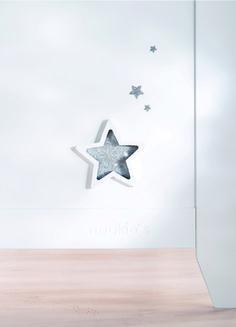 """Noukie's, collection """"Poudre d'étoiles"""" - Mobilier laqué blanc, ligne pure et raffinée """"made with Swarovski® elements"""""""