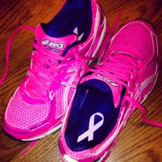 Asics ♡ ...wearing these right now!! Love my breast cancer awareness shoes!