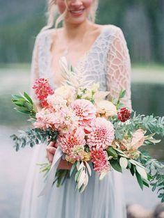 25 Dahlia Wedding Bouquet Ideas for Wedding Flower Trends 2019 shades of pink dahlia bridal bouquet Dahlia Wedding Bouquets, Bride Bouquets, Bridal Flowers, Bouquet Flowers, Dahlia Flower, Pink Flowers, Green Wedding, Floral Wedding, Wedding Colors