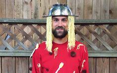 Inspiration, alle Accessoires und eine Schmink-Anleitung, damit du dein Spaghetti mit Fleischbällchen Kostüm selber machen kannst.