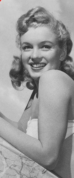 Marilyn Monroe – Norma Jeane – various photo shoots …. Joven Marilyn Monroe, Marilyn Monroe Fotos, Young Marilyn Monroe, Hollywood Actresses, Old Hollywood, Classic Actresses, Audrey Hepburn, Cinema Tv, Norma Jeane