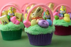 Bakerella's easter basket cupcakes - saw this last year and really want to make them this year.  Love her stuff!