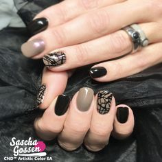 CND™ SHELLAC™ Black Pool and Rubble with Lecenté glitters and the :YOURS loves SASCHA stamping plate. #naildesigns #nailstagram #nailswag #fashion #nails2inspire #cnd #cndshellac #cndworld #cndeducationambassador #cndnederland #sascha #saschagossen #lecente #laprofilique #yourscosmetics #yourslovessascha #stamps #stampingnailart #stampingqueen #stampingplates #shellac #nails #nailpro #nailart #glitter @cndnederland @cndworld @yourscosmetics @laprofilique @lovelecente