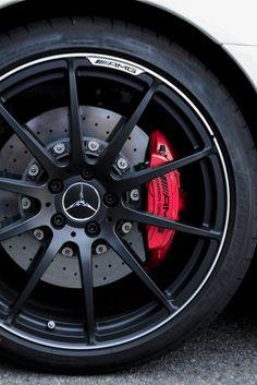 I really like cars. E350 Mercedes, Mercedes Benz Models, Mercedes Benz Cars, Mercedes World, Ford Mustang Wallpaper, Merc Benz, Sports Car Wallpaper, Rims For Cars, Car Wheels