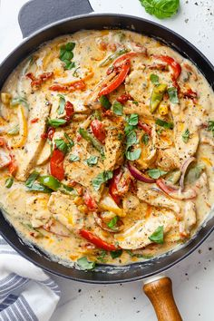 Scary Favourite Fast Recipes Videos Creamy Garlic Pesto Chicken – This stir-fry chicken with pesto, sun-dried tomatoes and bell peppers in a creamy garlic sauce is simply amazing. The flavorful sauce infuses every single bite o… Garlic Pesto Chicken, Creamy Garlic Sauce, Chicken Pesto Recipes, Recipes With Pesto Sauce, Chicken Bell Pepper Recipes, Creamy Garlic Pasta, Keto Chicken, Chipotle Pesto Recipe, Creamy Chicken Pesto Pasta