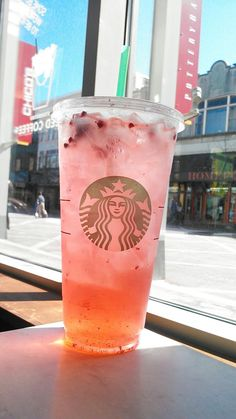 itssouthernstandard:  Trenta Sparkling Very Berry Hibiscus Refresher with San Pellegrino.