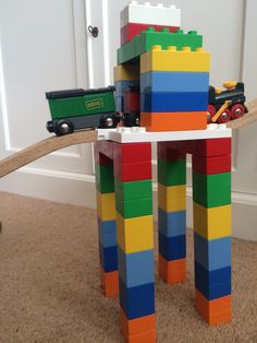 Make sturdy train layouts with Dreamup Toys' Block Platform that combines wooden trains and LEGO Duplo!