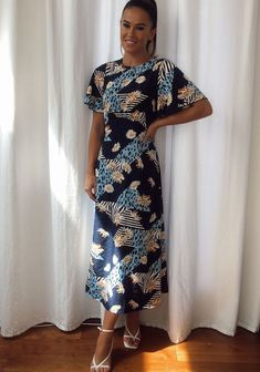 Blue Midi Dress, Blue Dresses, Short Sleeve Dresses, Dresses With Sleeves, Floral, Fashion, Moda, Fashion Styles, Gowns With Sleeves