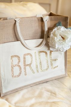 DIY Wedding - How to customize a tote bag with glitter iron-on material! | Creative Bridal Shower Gift Idea | DIY Bride Tote by @jencarreiro
