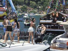 Angra dos Reis - A Fundação de Turismo de Angra dos Reis (TurisAngra) abre na segunda-feira, 21, o período de inscrições para as embarcações que vão concorrer aos prêmios da 38ª edição da Procissão Marítima de Angra dos Reis, que acontece tradicionalmente no dia 1º de janeiro. Serão R$ 55 mil di