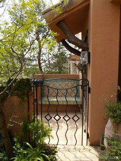 家は自分を写し出す鏡 | NATURE DECOR Nature Decor, Arch, Outdoor Structures, Garden, Natural Decorating, Longbow, Garten, Lawn And Garden, Gardens