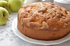 Torta di mele allo sciroppo d'acero: un dolce sofficissimo, coperto da una golosa crosticina croccante, che bontà!