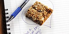 Lunchbox Granola Bars - Packed with flaxseed and blended with canola oil, these satisfying treats offer fat and important nutrients to keep you going on busy days. Healthy School Snacks, Health Snacks, School Lunches, Healthy Treats, Yummy Treats, Sweet Treats, Diabetic Desserts, Diabetic Recipes, Healthy Recipes