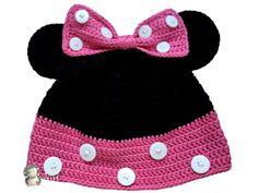 Haz este divertido gorro de Minnie Mouse para niña. ¡Seguro que le encanta! :)