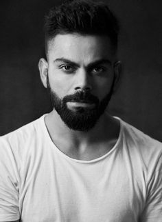 15 Best Virat Kohli Hairstyles You Should Try This Year. Check these all Virat Kohli hairstyle and haircut ideas and choose the best one for you to be a trend setter for this year! Anushka Sharma Virat Kohli, Virat And Anushka, Bart Design, Virat Kohli Beard, Virat Kohli Instagram, Hair And Beard Styles, Hair Styles, India Cricket Team, Virat Kohli Wallpapers