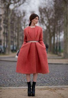 Очарование женственности: пальто-платье 8