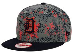 sale retailer b7a6c efbbf This Detroit Tigers MLB DC Team Reflective 9FIFTY Snapback Cap features an  embroidered Detroit Tigers logo