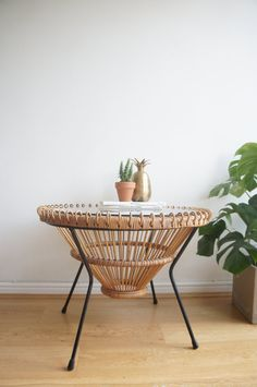 home // balcony // Franco Albini round wicker glass coffee table Coffee Table Cane, Home Coffee Tables, Decorating Coffee Tables, Cane Furniture, Smart Furniture, Tropical Coffee Tables, Types Of Coffee Tables, Parda, Living Room Goals