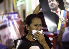 Simpatizantes del presidente de Venezuela, Hugo Chávez, lloran su muerte. (Foto: EFE)