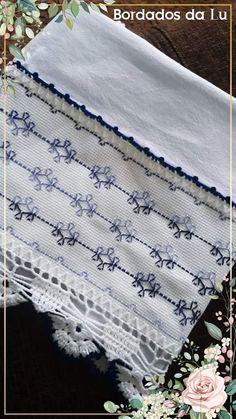Swedish Weaving Patterns, Swedish Embroidery, Cat Cross Stitches, Hello Kitty Wallpaper, Bead Loom Patterns, Bargello, Christmas Cross, Loom Beading, Crochet Designs