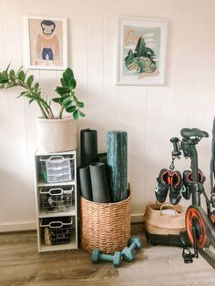 Diy Home Gym, Gym Room At Home, Home Gym Decor, Best Home Gym Setup, Sala Zen, Workout Room Home, Workout Room Decor, Yoga Room Decor, Small Home Gyms