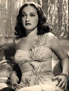 Dorothy Lamour was an american actress and singer. She is best remembered for appearing in the Road to. movies, a series of successful comedies starring Bing Crosby and Bob Hope. Hollywood Stars, Old Hollywood Glamour, Golden Age Of Hollywood, Vintage Glamour, Vintage Hollywood, Classic Hollywood, Vintage Beauty, Classic Actresses, Hollywood Actresses