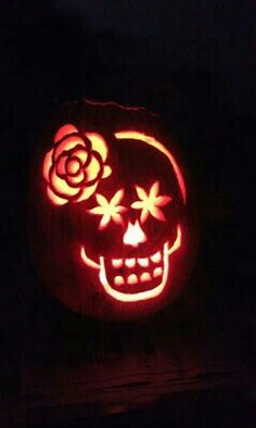 I think that this is how I'll carve my pumpkin this year.