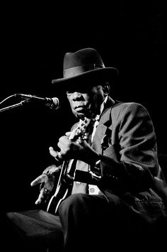 John Lee Hooker At Aire Crown Theater Jazz Artists, Blues Artists, Music Artists, Memphis Slim, Nostalgia 70s, Junior Wells, Albert King, John Lee Hooker, Buddy Guy