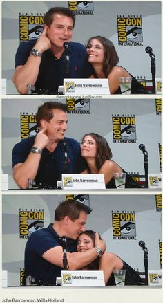 John Barrowman and Willa Holland at SDCC 2014 Arrow panel - aw! Looks like they are having fun with their father-daughter relationship. Arrow Funny, Arrow Memes, Arrow Cast, Arrow Tv, Supergirl Dc, Supergirl And Flash, Dc Comics, Father Daughter Relationship, Willa Holland