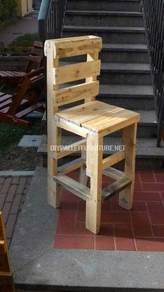 Outdoor Pallet 762515780631277328 - chaise haute en palette Source by cyrilgannac Pallet Furniture Chairs, Pallet Stool, Diy Furniture, Pallet Bar Stools, Furniture Stores, Pallet Crafts, Diy Pallet Projects, Pallet Ideas, Diy Crafts