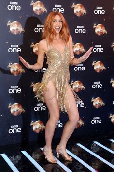 Visita la pagina Stacey Dooley is so beautiful - Sexy Pretty Redheads Stacy Dooley, Gorgeous Redhead, Beautiful, Red Hair Inspo, Red Hair Woman, Strictly Come Dancing, Girl Dancing, Dream Hair, Bridal Make Up