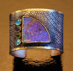 Iridescent Hammered Bracelet Bangle. Stones.