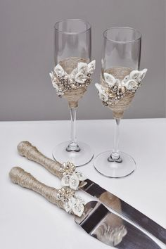 For these glasses color: ivory All completely handmade! MEASUREMENTS: -Champagne flutes : Height - 9.2 inch (23.5 sm). Volume – 170ml (6.1 oz) - set for cake: cake server - 10 cake knife - 13  Custom champagne glasses may be created to fit your needs. Your unique wedding colors can be used for this design. Names and date may be painted to customize to your occasion. Customizations are included in the price.  Glasses will be carefully packed for shipping. Also, here you can order a guest…