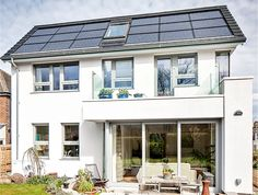 Award-winning solar home in the UK costs $2 a month to run
