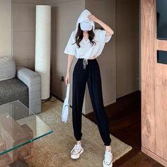 Korean Girl Fashion, Korean Fashion Trends, Ulzzang Fashion, Korean Street Fashion, Kpop Fashion Outfits, Look Fashion, Korean Casual Outfits, Korean Outfit Street Styles, Cute Casual Outfits
