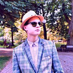 "𝐿𝑜𝑟𝑑𝑧𝑖𝑘𝐾𝑠𝑖𝑒̨𝑧̇𝑛𝑖𝑐𝑧𝑘𝑎𝐷𝑖𝑠𝑐𝑜𝑃𝑜𝑙𝑜 on Instagram: ""3/3 || 𝐻𝑜𝑤 𝑐𝑜𝑢𝑙𝑑 𝑦𝑜𝑢 𝑒𝑣𝑒𝑟 𝑡𝑢𝑟𝑛 ℎ𝑒𝑟 𝑑𝑜𝑤𝑛? [𝐶𝑎𝑟𝑜𝑙𝑖𝑛𝑎 - 𝐻𝑎𝑟𝑟𝑦 𝑆𝑡𝑦𝑙𝑒𝑠] 𝑥 𝑥 𝑥 {ℎ𝑎𝑠𝑧𝑡𝑎𝑔𝑖 𝑑𝑙𝑎 𝑧𝑎𝑠𝑖𝑒̨𝑔𝑢} #lordkruszwil #kamerzysta…"" Mirrored Sunglasses, Mens Sunglasses, Harry Styles, Ray Bans, Selfie, Youtube, Wattpad, Lord, Collections"