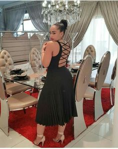 Classic Interior, Classy Chic, Beauty Queens, Stylish Outfits, Interior Decorating, African, Formal Dresses, Dining Area, How To Wear