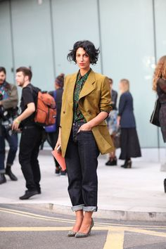 STREET STYLE SPRING 2013: LONDON FW - Yasmin Sewell knows her way around a pair of chic boyfriend jeans.