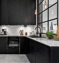 30+ Marvelous Modern Black Kitchen Cabinets Design Ideas For Inspiration #kitchens #kitchendesign #kitchenremodel