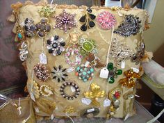 Vintage jewelry in my shop. #vintagejewelry http://www.camillesantiqueboutique.com/vintage-clothing--accessories.html