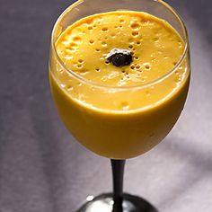 Quick & easy mango mousse without eggs and gelatine.... a vegetarian recipe