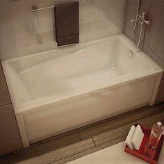 MAAX New Town Aerosens® Bathtub - Right-hand Drain