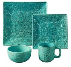 Love the etchings to this set of dinnerware