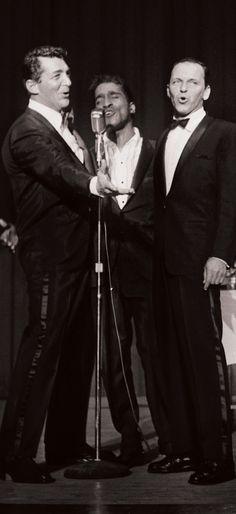 Dean Martin, Sammy Davis Jr, Frank Sinatra Golden Age Of Hollywood, Vintage Hollywood, Hollywood Stars, Classic Hollywood, Dean Martin, The Rat Pack, Sammy Davis Jr, Franck Sinatra, Joey Bishop