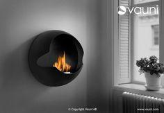 La estufa de bioetanol Cupula vauni estufamania es una estufa original y ecológica  que funciona con bioetanol y que no requiere ninguna instalación, no emite humos ni desprende olores. Estufa portátil que completara la decoración de cualquier estancia.