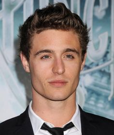 Max Irons...omg..why werent we married like yesterday?