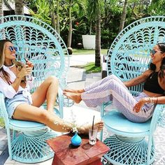 Afternoon giggles and hangs with the beautiful @welikebali girls ❤️ #houseofhuu #huubistro #girltalk #beachgoldbali #seminyak #bali