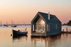 This Floating House perfect for a calm  lake~ Kai