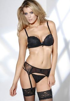 PURE LACE BLACK PADDED PLUNGE BRA on SALE £9.00 RRP:£18.00